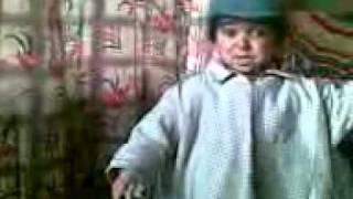 Repeat youtube video Kashmiri Kid (Choota Dawoodi) giving funny speech.3gp
