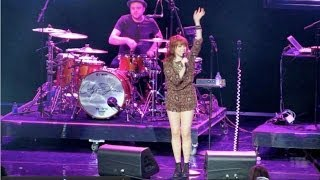 Carly Rae Jepsen LIVE Call Me Maybe - Free The Children at We Day MN