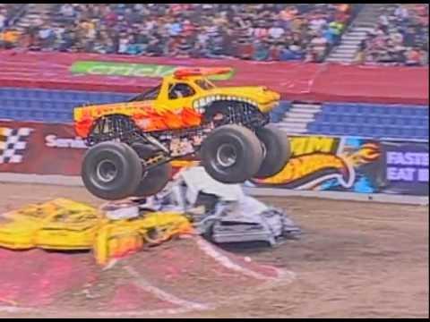 Monster Jam El Toro Loco Monster Truck Freestyle From