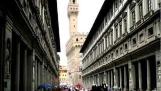 Hanging out at Piazza Uffizi - Florence, Italy 2012