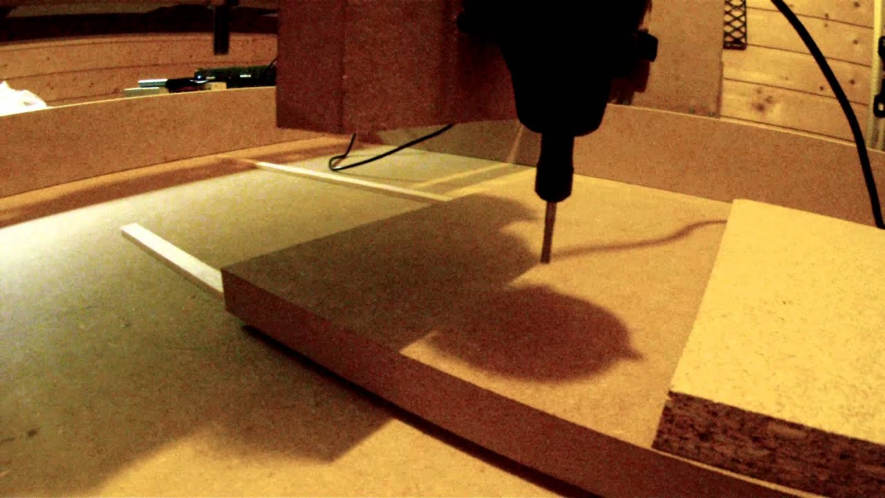 diy cnc fr se mit einem dremel 300 lockerer fr ser crash youtube. Black Bedroom Furniture Sets. Home Design Ideas