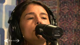 """Jessie Ware performing """"If You're Never Gonna Move"""" Live on KCRW"""