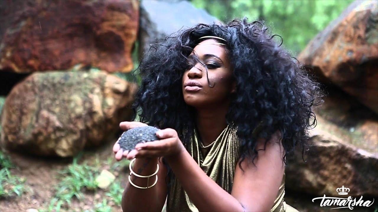 Meet beautiful SA woman who holds a masters degree as a tugmaster