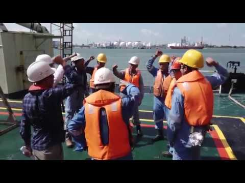 Grab Dredging Works in one of the busiest fairway in Singapore