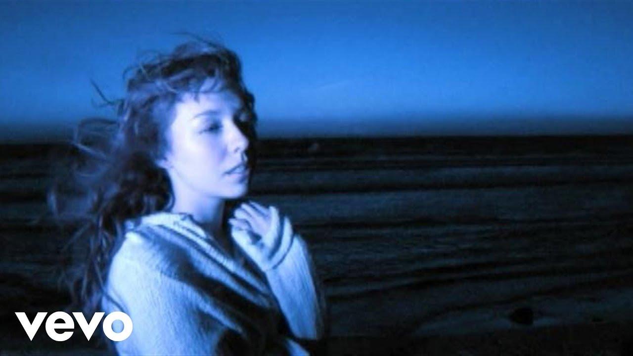 KELLY SWEET - DREAM ON LYRICS - SONGLYRICS.com