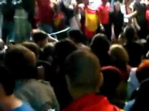 NEW AND EXCLUSIVE - UEFA Euro 2012 Final Spanish fans London Trafalgar square