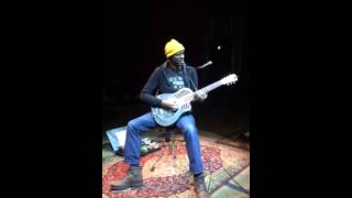 Keb Mo - Victims of Comfort