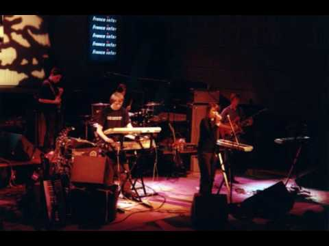 Broadcast - Look Outside [interrupted] (Black Session 4/5/2000)