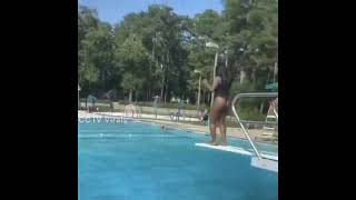 OMG Look at this Funny Swimming girl CCTV Virals :)