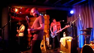 "Built to Spill playing ""Pat"" [There Is No Enemy]"