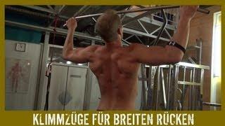 Breiter Rücken Training mit Klimmzügen für Muskelaufbau und Muskelmasse - KARL-ESS.COM