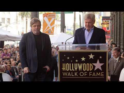 Mark Hamill recebe estrela na calçada da fama