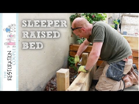 building-a-timber-retaining-wall-using-oak-sleepers