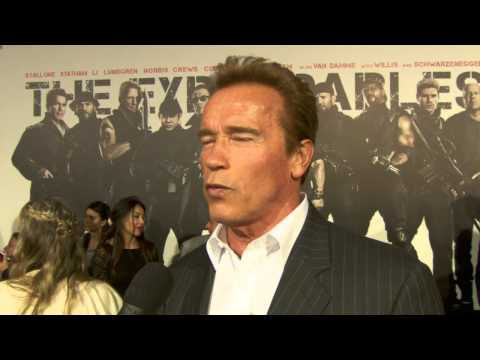 Arnold Schwarzenegger at The Expendables 2 Premiere! [HD]