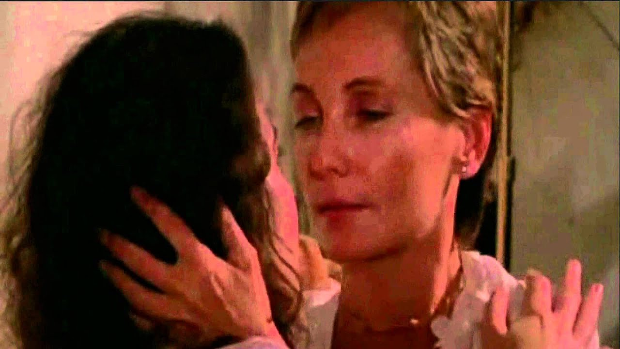 Lianna  Ruth Lesbian Love Romance Kiss Scene - Youtube