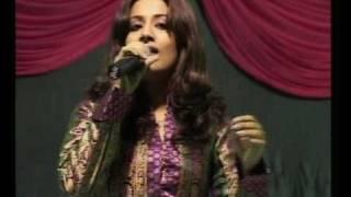 Aao Huzoor Tumko.............Sneha Pant performing LIVE IN CONCERT