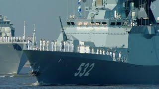 Главный военно-морской парад в Петербурге доверено освещать Первому каналу.