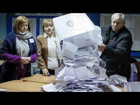 Moldova pro-EU parties take narrow lead in elections