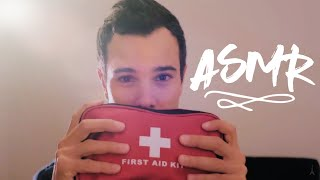 ASMR Je SOIGNE ton VISAGE / MY First AID KIT  (French role play)
