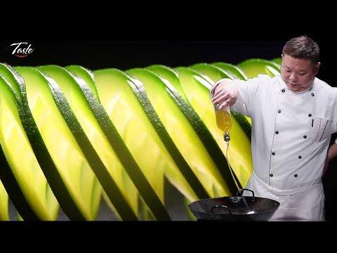 Precise Cutting Skills by Chinese Masterchef – How To Make Spiral Zucchini Squash
