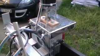 Repeat youtube video Jak to zrobić. Frezarka CNC homemade. Opis amatorskiej konstrukcji