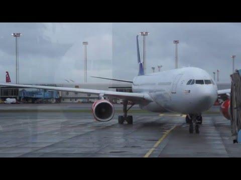 Arrival of SAS A330 at Copenhagen
