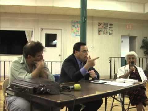 Immigration Lawyer debates anti-immigrant radio host - BILINGUAL