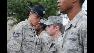 Primeros días de haber entrado a la militar de los Estados Unidos - Air Force (Fuerza Aérea)