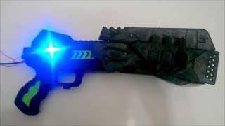動畫PSYCHO-PASS心靈判官劇中所使用的武器-Dominator 製作者-金克杰本體使用3D 印表機及Arduino控制核心製作可以變形成致命清除者模式並結合RGB...