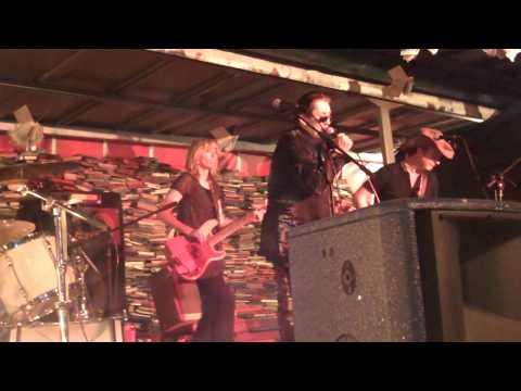 Shane McGowan, Cáit O'Riordán & Mundy - Cracklin' Rosie