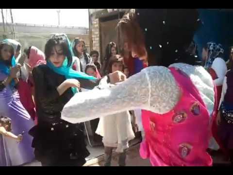 Afghani kabul girls dance