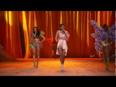 Rihanna - Phresh Out the Runway Victorias Secret Fashion Show 2012 HD