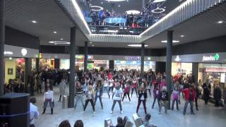"Flashmob ""Party Rock Anthem"" ""LMFAO"" Stücki Basel"