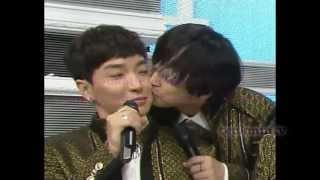 Teukmin moment #67 Sungmin kissing Leeteuk
