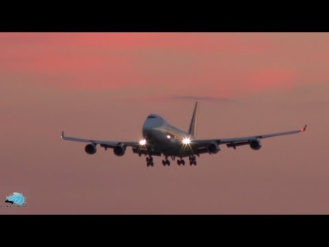 Amazing Golden Sunset Take Offs and Landings at Melbourne Airport | Melbourne Airport Plane Spotting