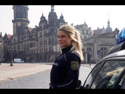 Adrienne Koleszar, la policière la plus sexy au monde