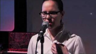 16 - Venus Hum live - Bella Luna.avi