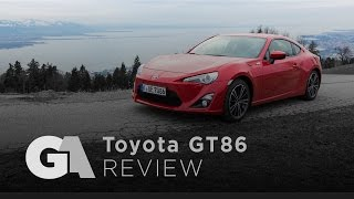 REVIEW: 2016 Toyota GT86 - The Perfect Entry-Level Sports Car?