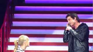 "Taylor Swift and Pat Monahan sing ""Drive By"""
