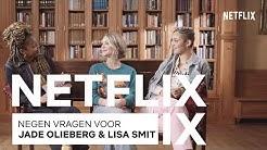 Ares Hoofdrolspelers Jade Olieberg & Lisa Smit Zitten Op De Bank Met Mandy Woelkens | Netflix