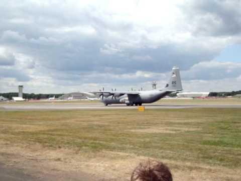C130 rollpast for short take off @ Farnborough Air Show 2010