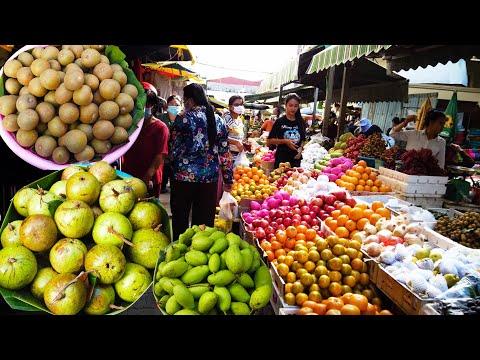 Art Of Living In Boeung Trabaek Market - Foods And People Activities