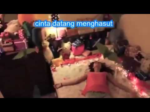LAGU PUTUS CINTA PALING SEDIH LIRIK - VIDEO CLIP