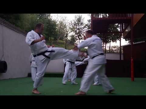 Ashihara Karate Bahçe Antrenmanı
