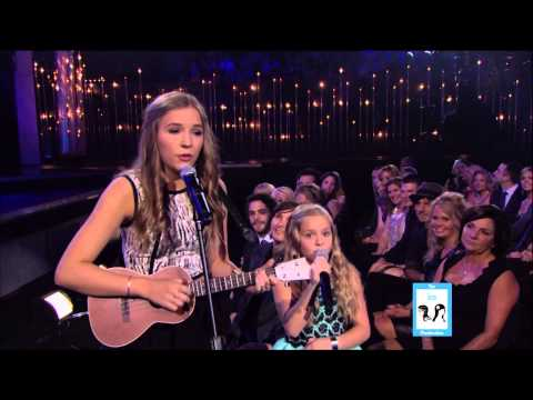 Stella Sisters Perform at the Country Music Awards | LIVE