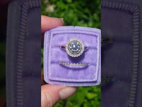 oec-moissanite-in-yellow-gold-daisy-diamond-halo-engagement-ring-with-milgrain-bezels
