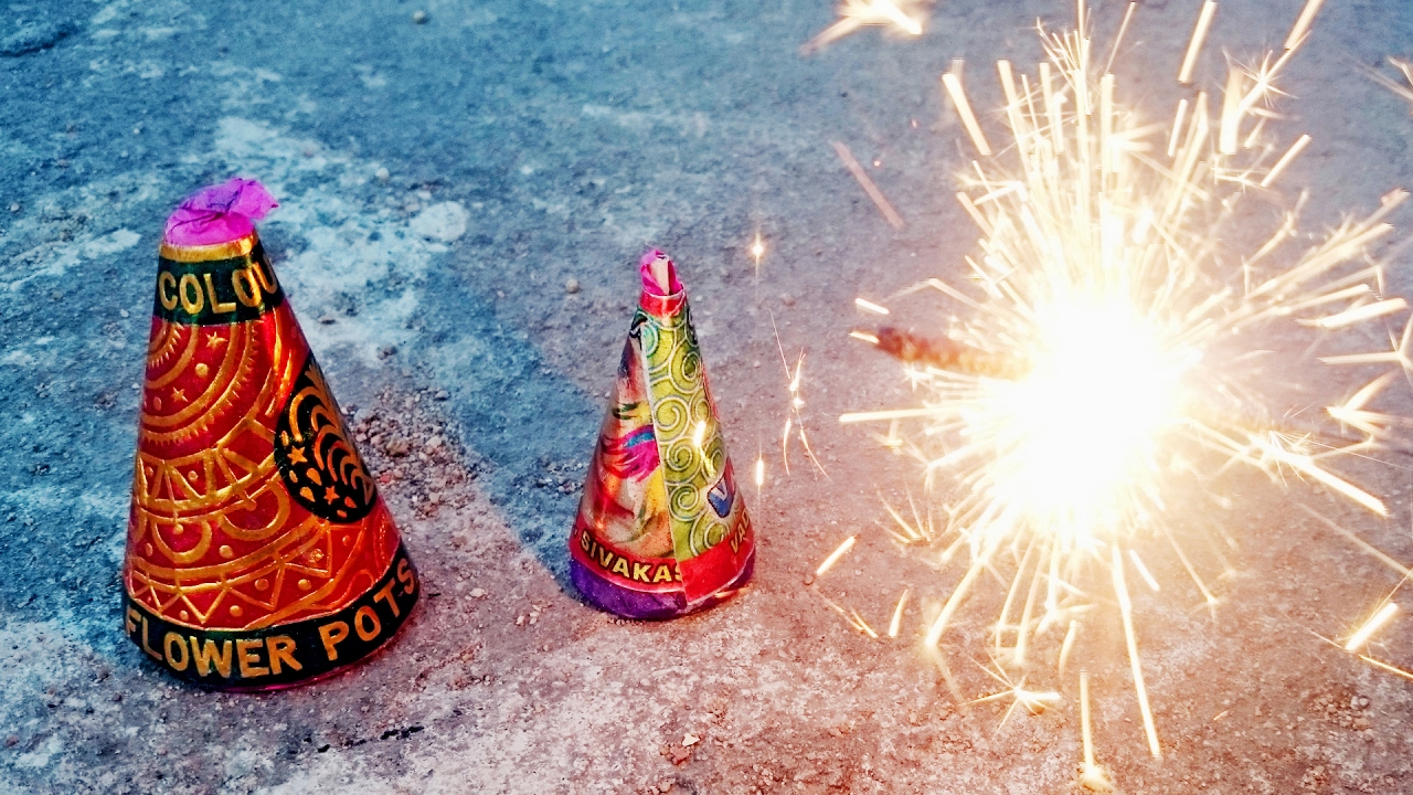 Craziest Firecrackers Glowing Show | Experiment - What Happen If Touch - Flower Pot (Chichubuddi)
