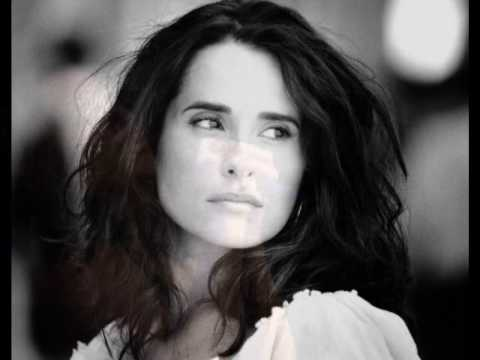 Смотреть клип Cristina Branco Ai Vida онлайн бесплатно в качестве