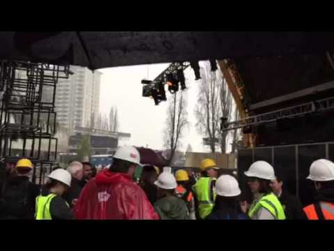 A Rainy Walk To Super Bowl City Media Kickoff #SB50 - Zennie62
