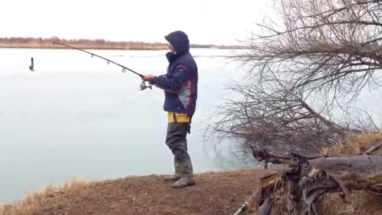 смотреть рыбалка на карася летом на поплавочную